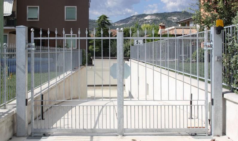 Cancello A Due Ante Battenti.Rs Infissi Dettaglio Prodotto