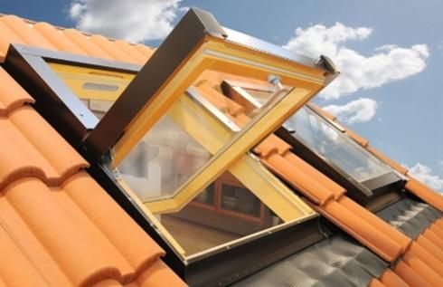 Rs infissi finestre a tetto for Finestre per tetto